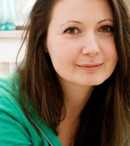 """Яна Бюрер Тавание е активист за човешки права и социален предприемач, с дългогодишен опит в журналистиката. Яна е съосновател и директор на глобалната инициатива за социално ангажирано изкуство Fine Acts. Съосновател е на най-голямата платформа за доброволчество в България TimeHeroes.org, в момента член на борда й. Създател и директор на програма """"Кампании и комуникации"""" на Българския хелзинкски комитет в периода 2009-2014 г.; от 2016 г. е заместник-председател на организацията. От 2016 г. Яна е един от тримата експерти в Съветническата група за Европа и Централна Азия на Амнести Интернешънъл. Яна има над 10 години опит в журналистиката, носител е на много български и международни журналистически награди. Чест лектор и трейнър по темите човешки права, медийна етика, комуникации и водене на застъпнически кампании, управление на неправителствени организации. Автор е на няколко наръчника, включително Отразяване на разнообразието (Британски съвет, 2007), и Отразяване на темата наркотици (Addicted2Life, 2010). Яна е старши стипендиант на TED, Млад глобален лидер на Световния икономически форум и Стипендиант на Кралското дружество на изкуствата. През 2012 г. списание WIRED я включва в своя Smart List на """"50те човека, които ще променят света"""". Има степени по Комуникации и Политически науки от Софийския университет, специализирала е в Харвард, Йейл и Оксфорд. """"Подкрепям дейността на Център за хуманни политики, защото вярвам, че човекът трябва да е изходната точка на мисленето, и центъра на всяка една реформа, на всеки един процес."""""""